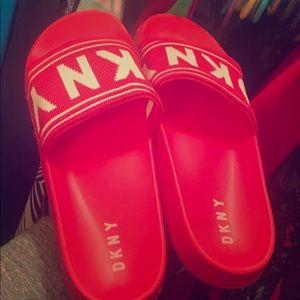DKNY Zora Slides-red